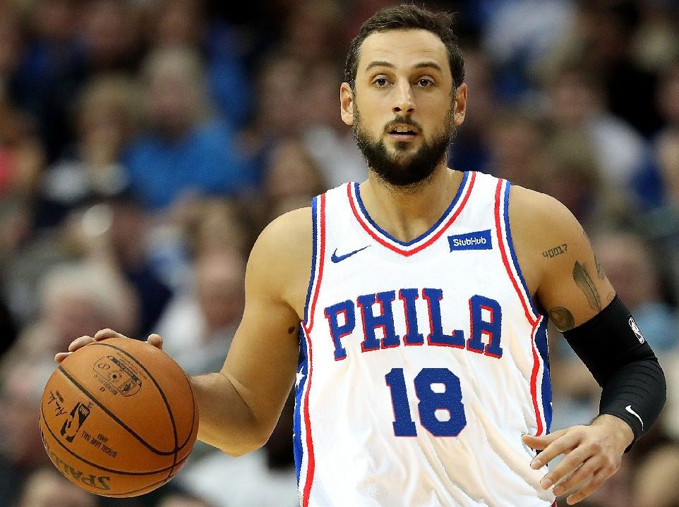 NBA, Phila aggancia Cleveland con 19 di Belinelli. Raptors primi ad Est