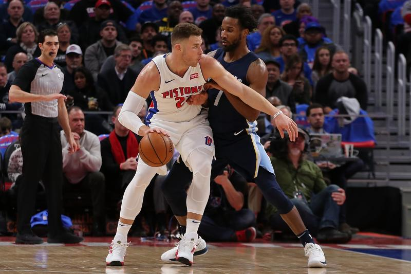 NBA, debutto ok per Griffin. A Houston il derby texano