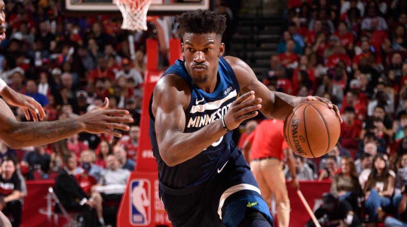 NBA, Jimmy Butler vola a Philadelphia: ai T-Wolves Saric e Covington