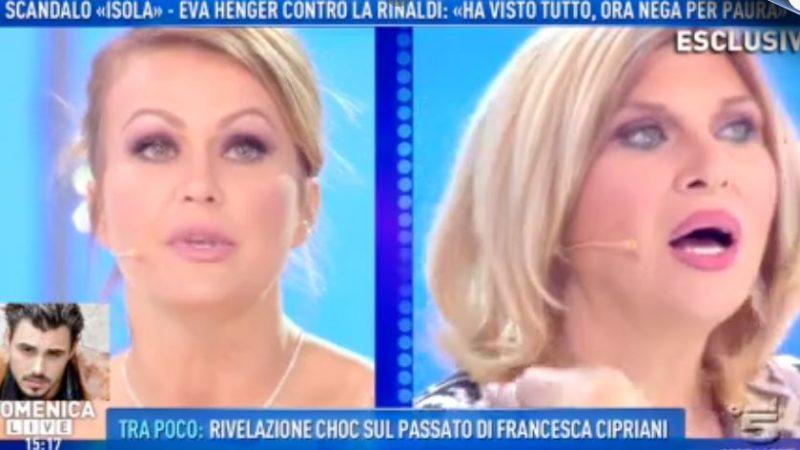 """Domenica Live, Nadia Rinaldi contro Henger: """"Mi stanno massacrando"""""""