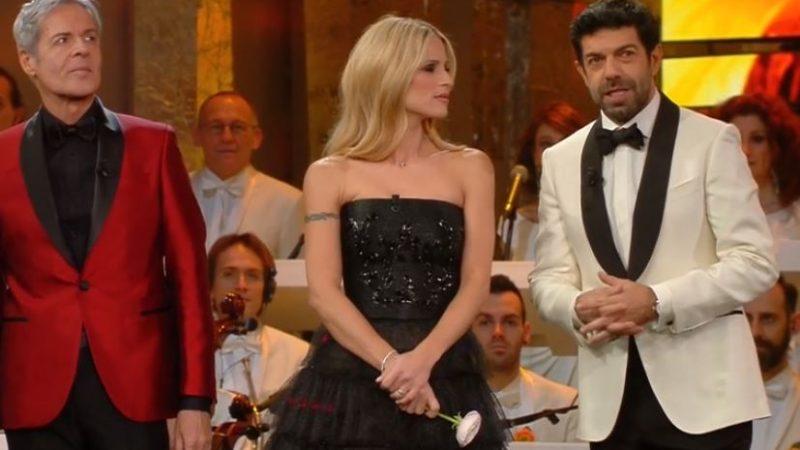 """Sanremo, Ouiam canta """"Adagio"""" ma la Canalis non gradisce"""