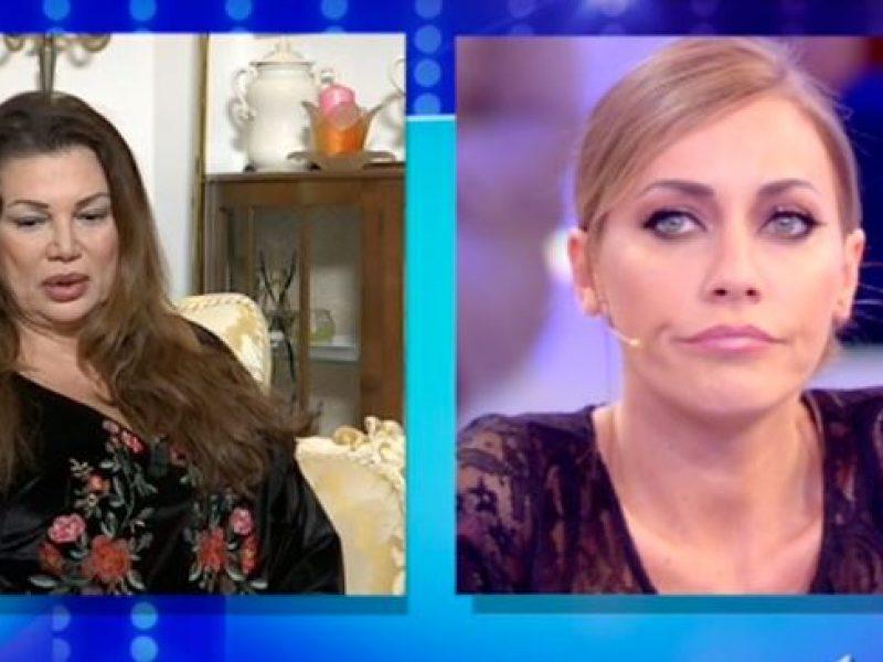 Alessia Marcuzzi offesa prima della puntata dell'Isola dei Famosi