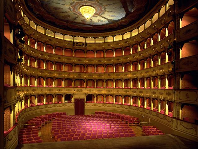 Mary Poppins atterra a Milano: in scena il primo musical all'italiana