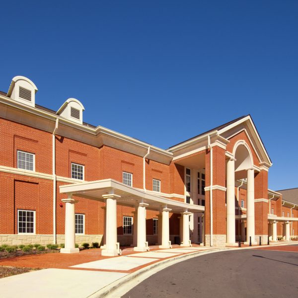 Spari in un liceo dell'Alabama, muore una 17enne