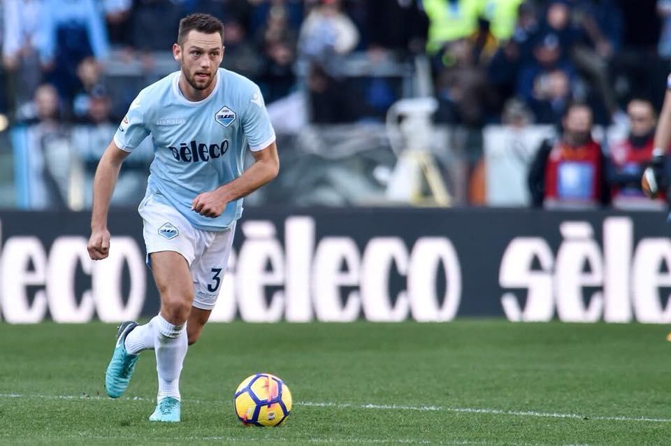 Lazio, de Vrij è già dell'Inter: ed è polemica sul suo impiego