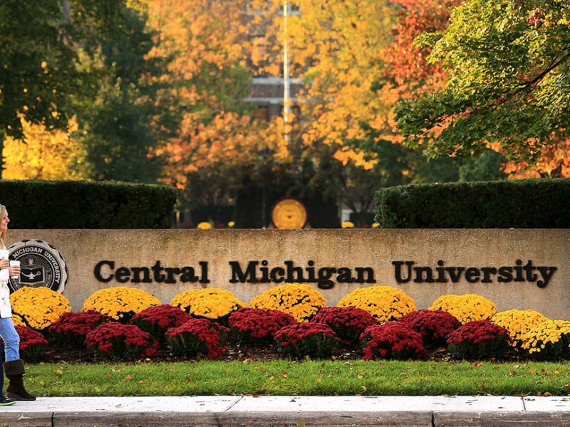 Usa, spari all'università del Michigan, due morti, sospetto in fuga