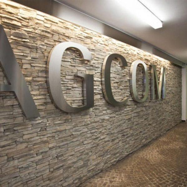 """Agcom chiede alle compagnie telefoniche """"giorni gratis"""" come rimborso"""