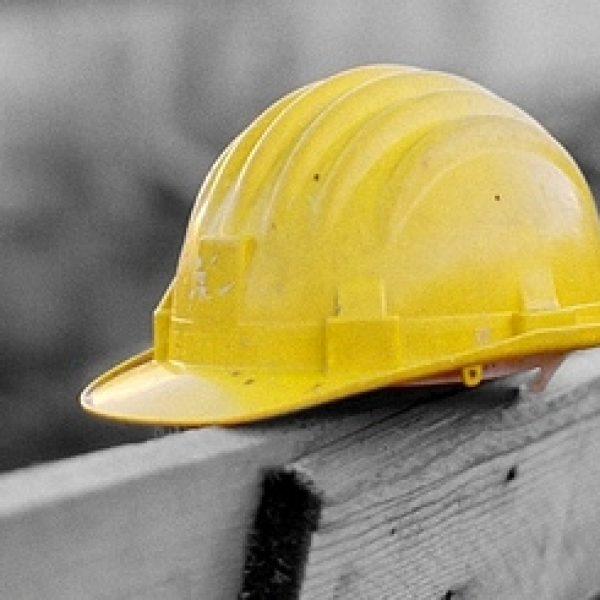 Tragedia a Santa Venerina: muore un lavoratore edile