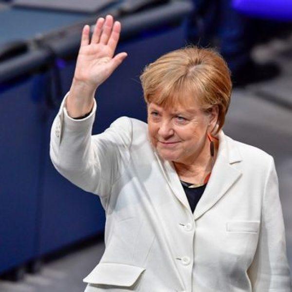 Cancelliera per la quarta volta: Merkel ottiene la fiducia del Parlamento