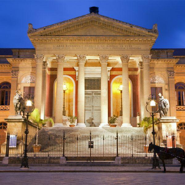 Palermo, il Teatro Massimo nella prima pagina del NY Times