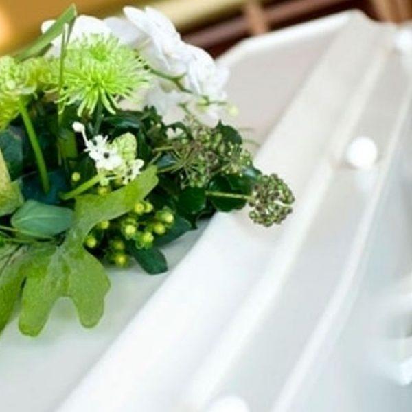 Latina, commozione ai funerali di Alessia e Martina