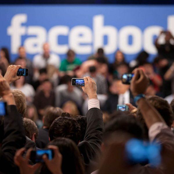 Scandalo Facebook, la Procura di Roma apre un fascicolo