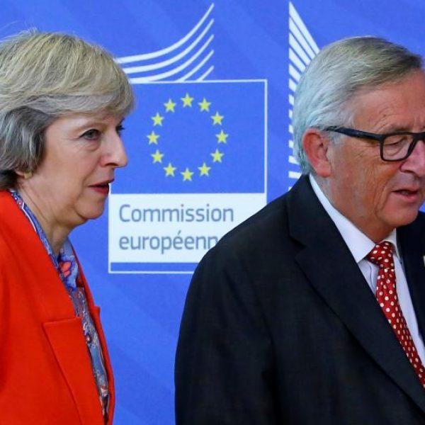 Brexit, Barnier annuncia l'accordo ma chiarisce: