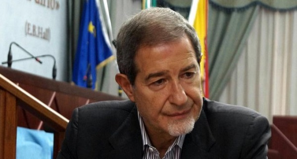 Sicilia, Musumeci battuto sulla legge di stabilità: voto palese o dimissioni