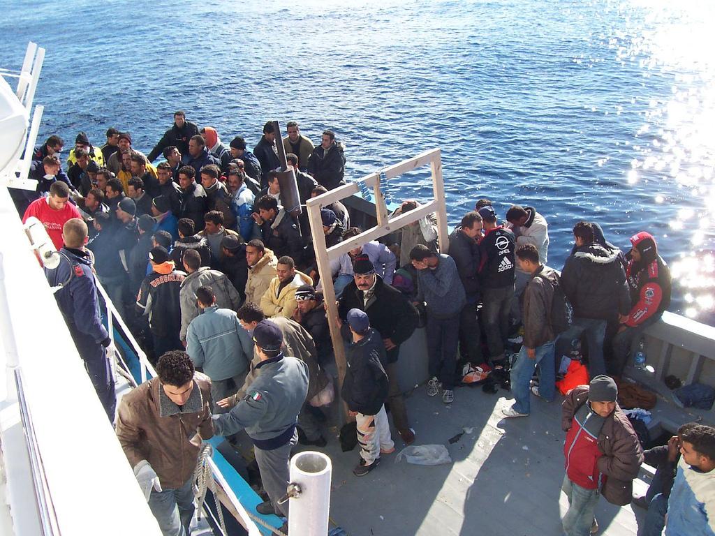 Mediterraneo, Ong spagnola soccorre 117 migranti