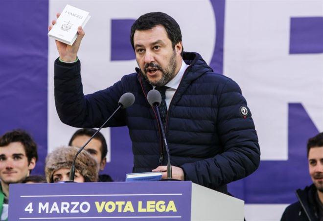 """Salvini post Frontex: """"Stop a tutti gli sbarchi"""""""