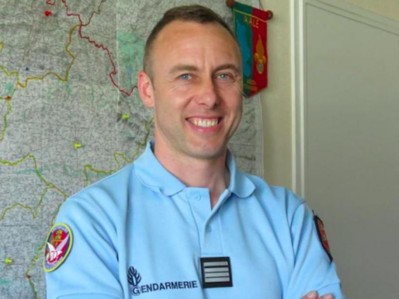 Arnaud Beltrame, gendarme eroe francia, Macron Beltrame, morto Arnaud Beltrame, morto gendarme francia
