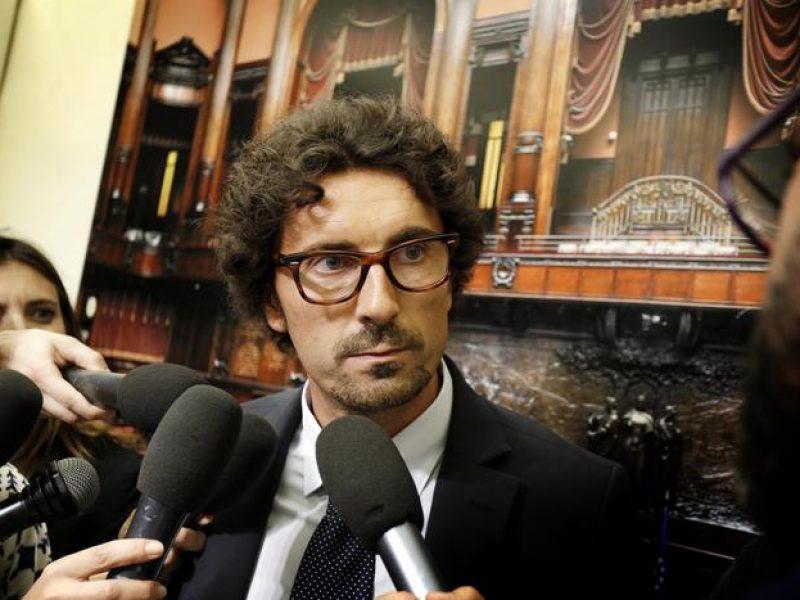 Governo: Toninelli, dialogo anche con Pd. Trovare punti intesa