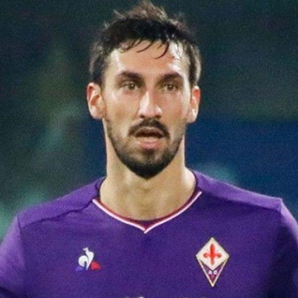 Astori, Fiorentina e Cagliari ritirano la maglia numero 13