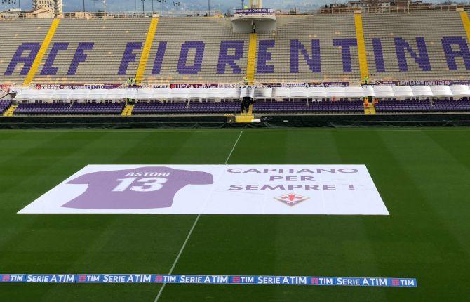 Fiorentina, al minuto 13 l'ultimo saluto per Astori