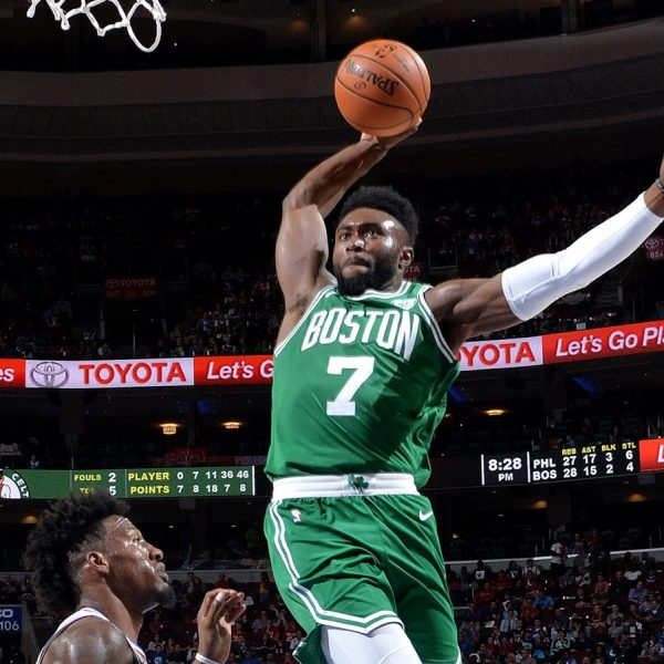 Playoff NBA, Boston supera Milwaukee all'overtime in gara-1