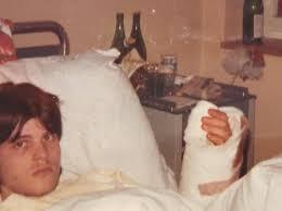 Quarant'anni fa gli riattaccò la mano, oggi lavora per lui