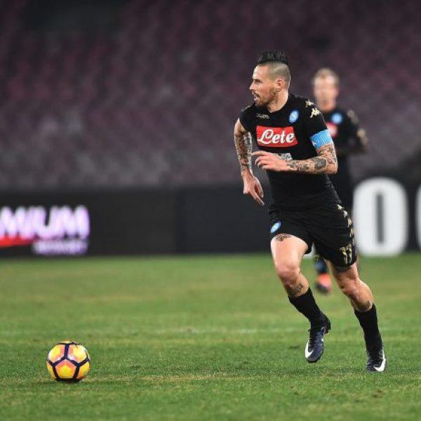 Napoli, Hamsik in dubbio per il Sassuolo: si scalda Zielinski