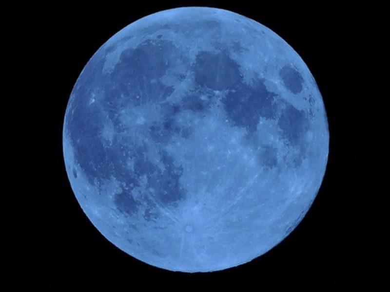 Pasqua 2018, warm moon nella notte di Pasqua 2018, Luna Blu il 31 marzo 2018, prossima Luna blu nel 2020, occhi al cielo per la Luna Blu, marzo, luna piena, energia positiva, Inizia la primavera con la warm moon