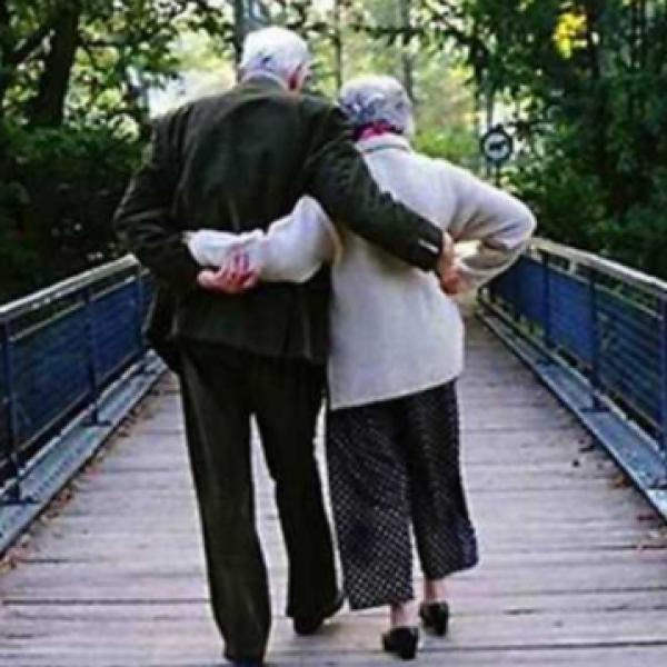 Nonni minacciano di morte i nipoti per l'eredità