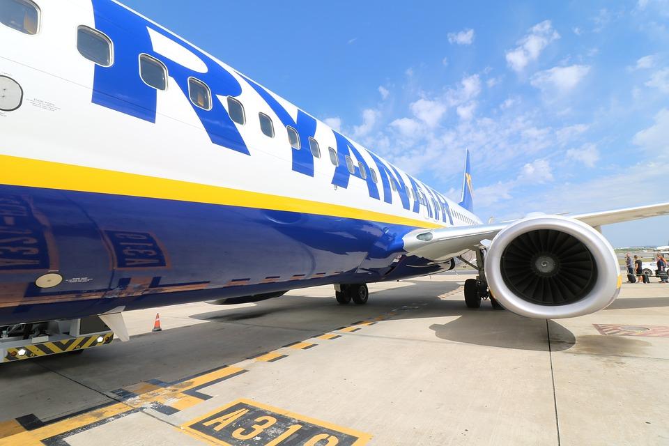 Ryanair, dal 1° novembre il bagaglio a mano si paga