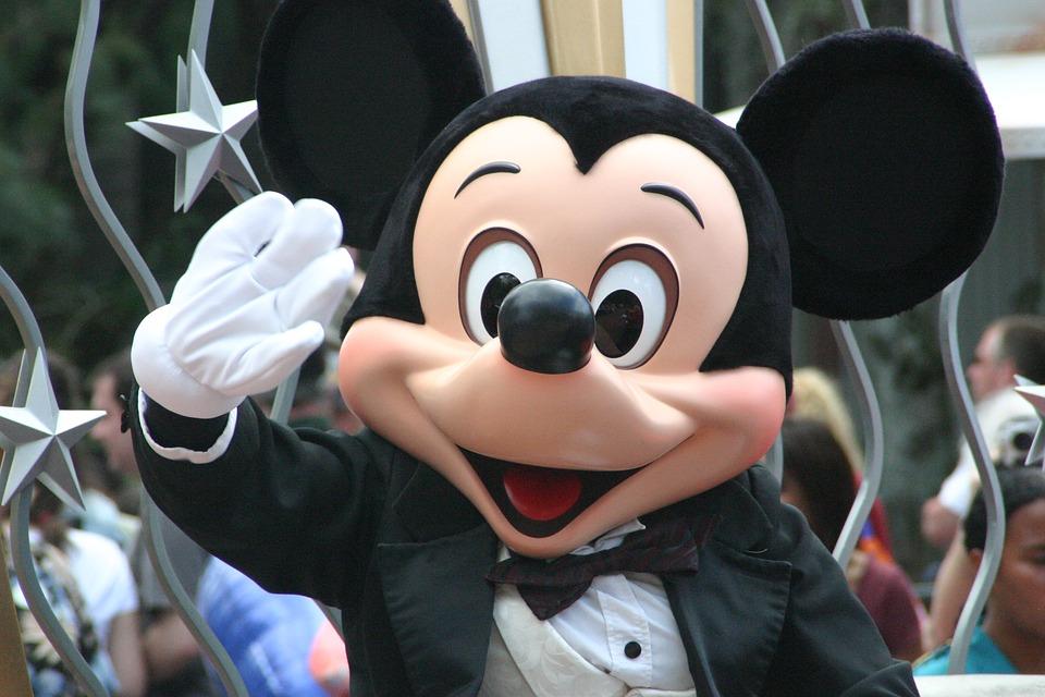 Topolino compie 90 anni e la Disney lo festeggia per tutto il 2018