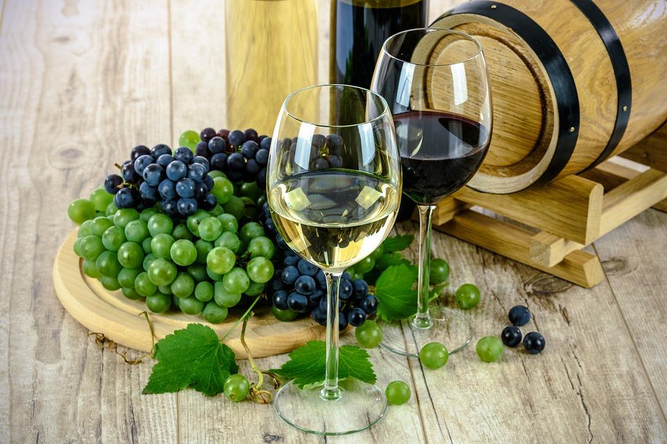 Bere più di 6 bicchieri di alcol a settimana accorcia la vita