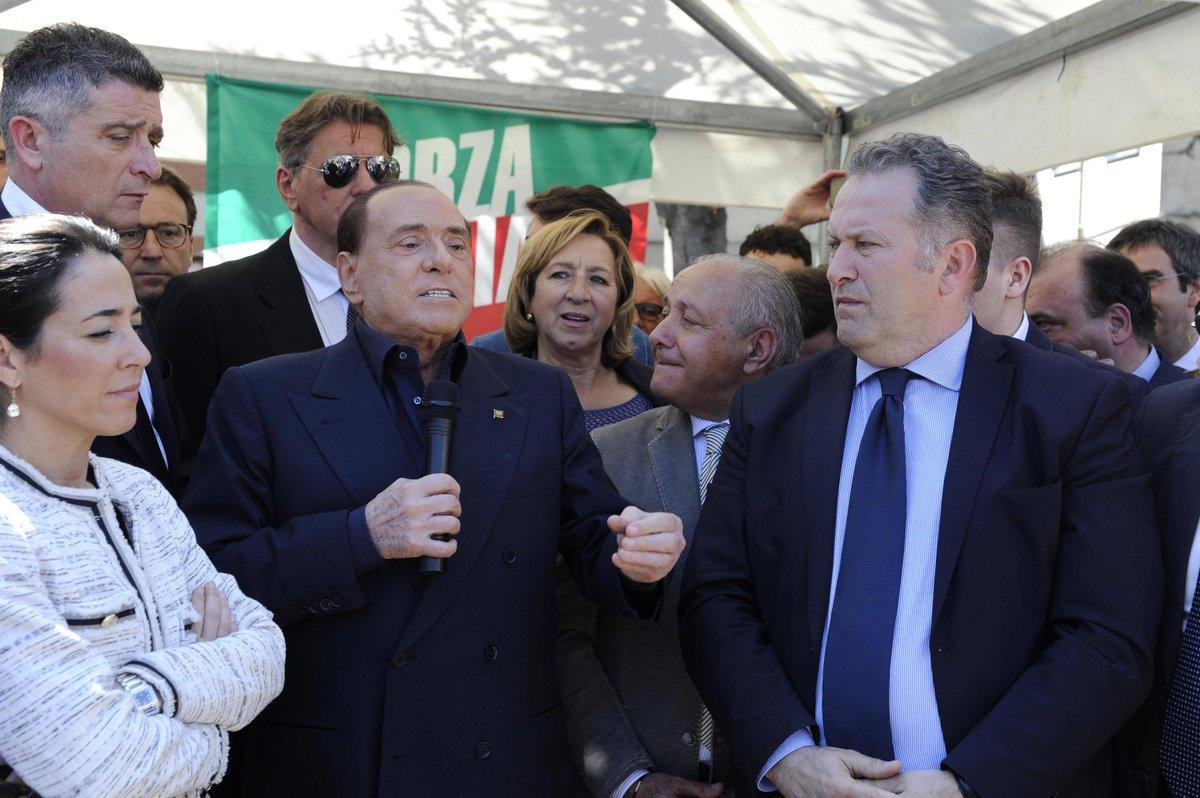 "Berlusconi: ""I 5 stelle li metterei a pulire i cessi"""