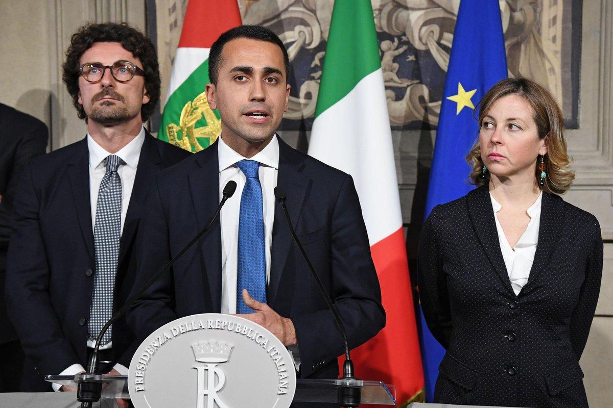 """Consultazioni, Di Maio: """"Berlusconi faccia un passo di lato"""""""