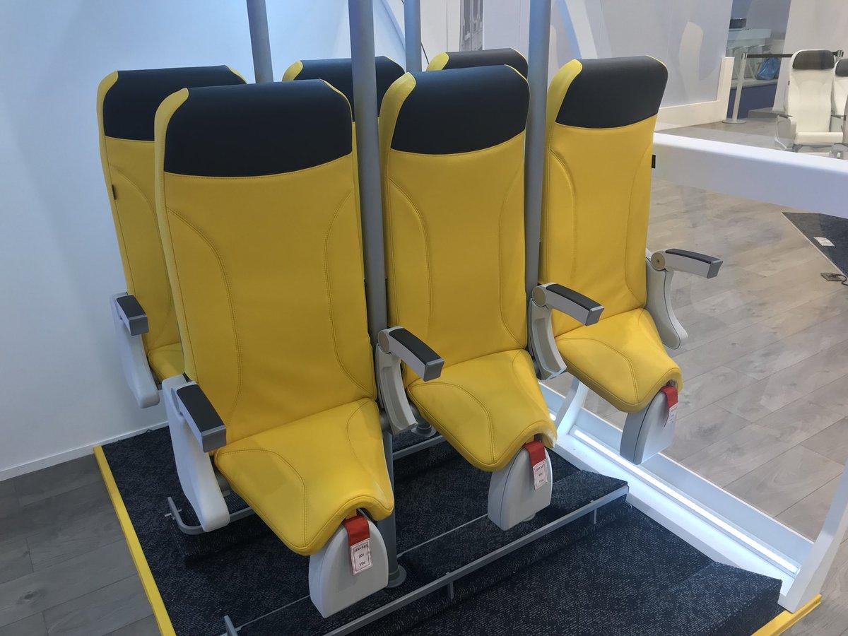Sedili verticali in aereo, il progetto di Aviointeriors