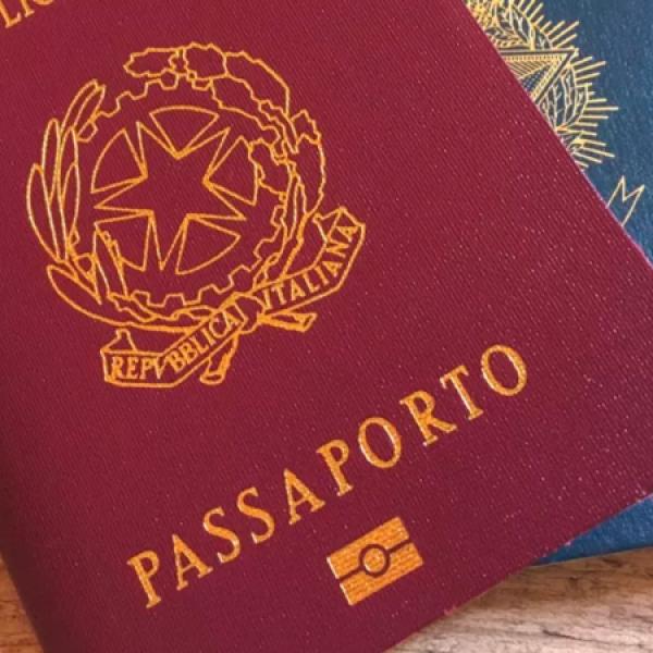 Italia 'più generosa': prima in UE per nuove cittadinanze