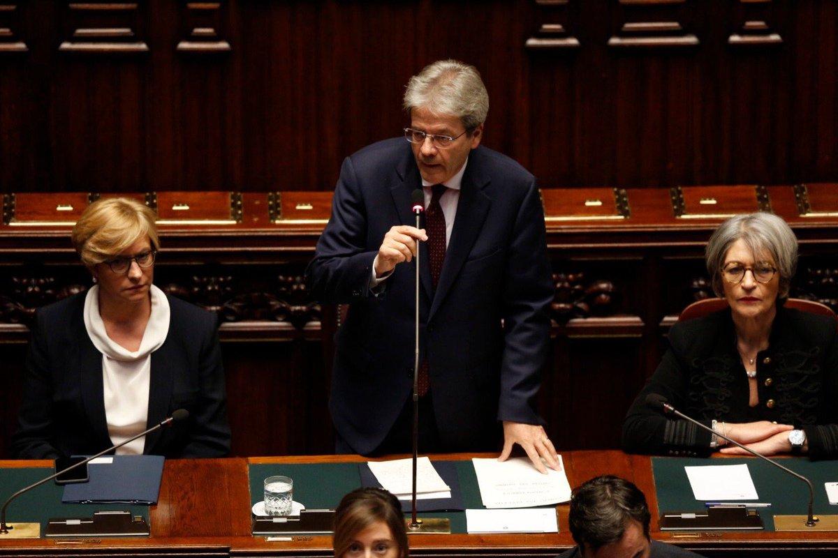 """Siria, Gentiloni parla all'Italia: """"Non siamo neutrali"""""""