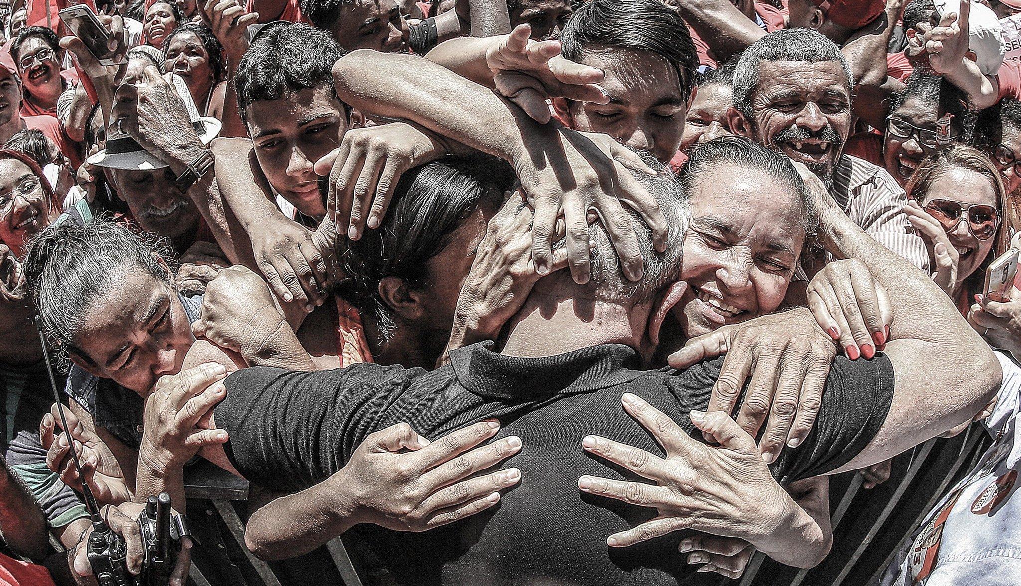 """Il Brasile nega la libertà a Lula, """"presidente del popolo"""""""