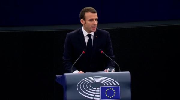 """Macron all'Europarlamento: """"Sovranità europea più forte"""""""