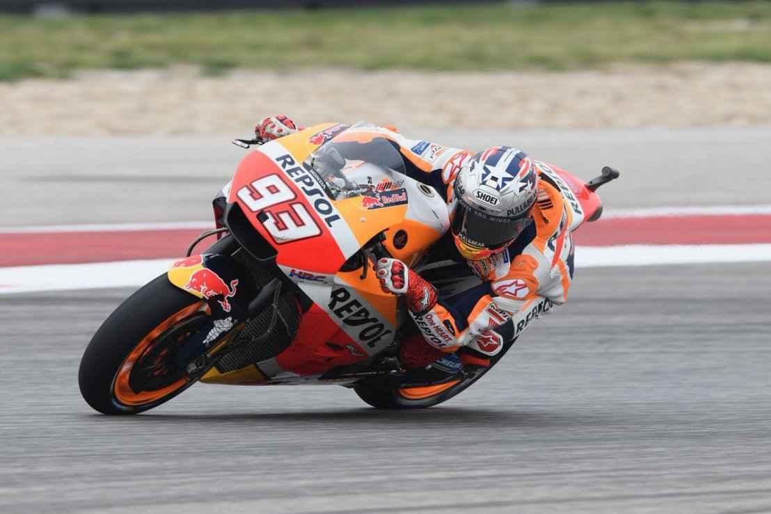 Moto GP, Marquez in pole a Sepang. Rossi in prima fila