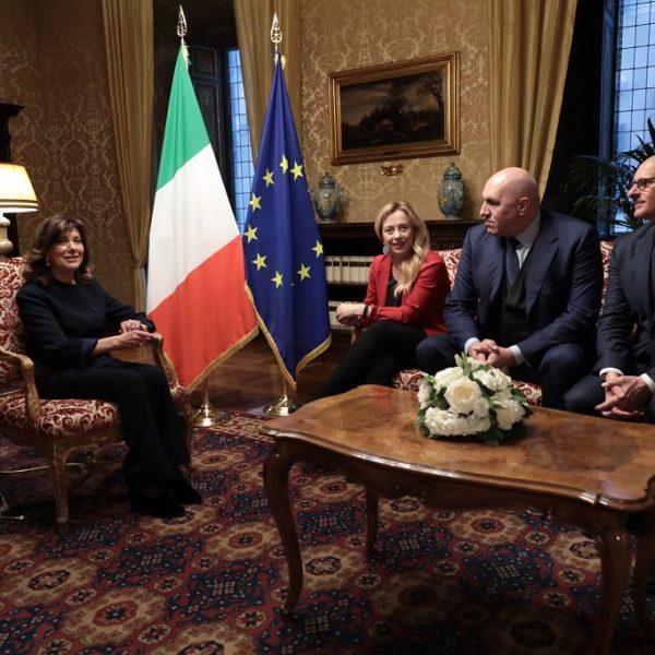 Casellati 'esplora': Di Maio vuole solo la Lega ma Salvini non tradisce FI