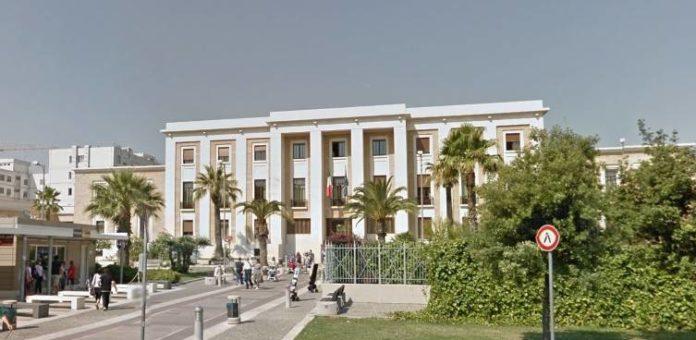 Bari, tangente da 3 mila euro: arrestato dirigente del Policlinico