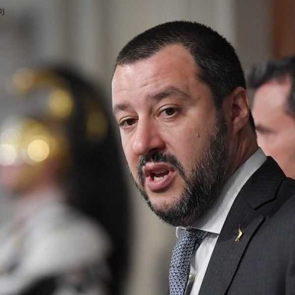 Migranti, Salvini: