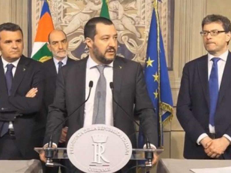 Governo, Di Maio a PD: sotterriamo ascia di guerra. Renzi: nessuna svolta