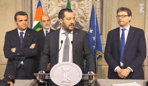 """Centrodestra unito alle consultazioni, Di Maio: """"Salvini scelga o Berlusconi o noi"""""""
