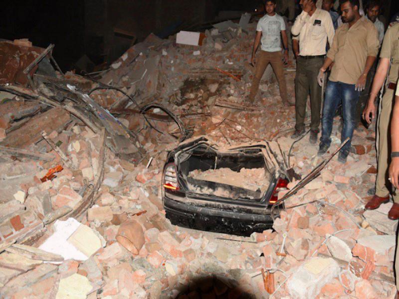10 morti crollo india, 10 morti hotel india, crollo hotel india, crollo hotel indore, india, morti indore