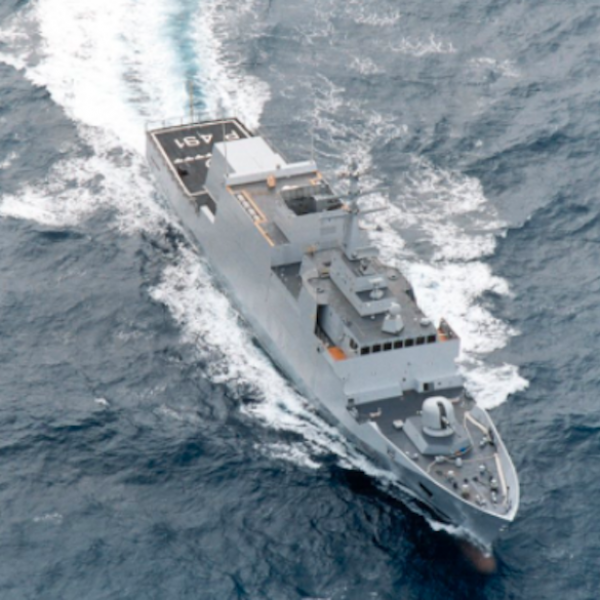 Marina, elicottero precipita in mare: un morto
