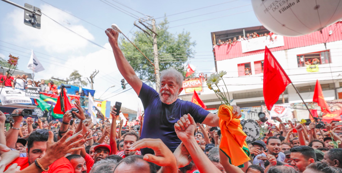 Brasile, Lula inizia a scontare la pena in carcere