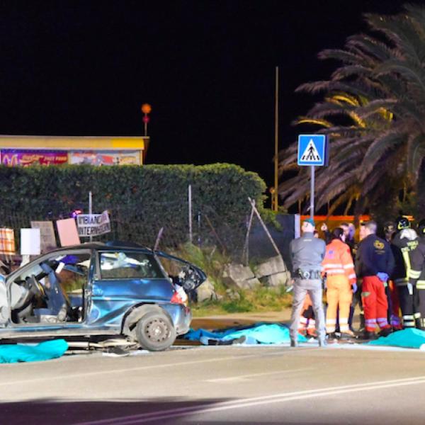 Drammatico schianto a Carrara, muoiono 4 ragazzi