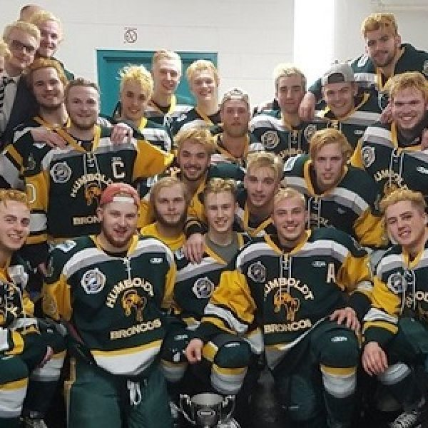 Canada, camion travolge pullman con squadra hockey junior: 14 morti